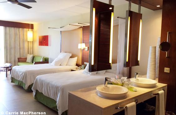 dominican-republic-barcelo-bavaro-palace-deluxe-room-zurbaines
