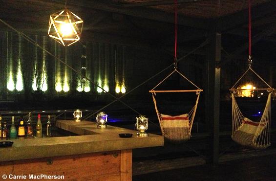 La Cabane au café des éclusiers
